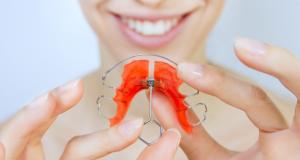 صاف کردن دندان بدون براکت ارتودنسى