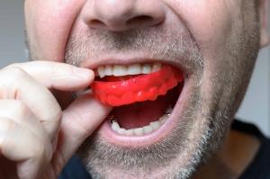 محافظ دهانی گارد نایت